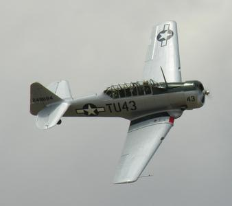 North_American_AT-6_SNJ_Texan_2.jpg