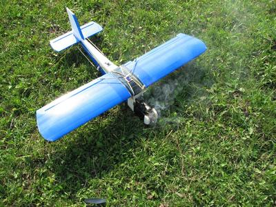 Cessna-150 burning